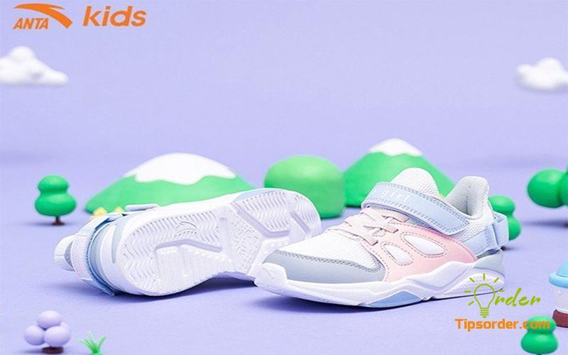 Hình ảnh giày dành cho trẻ em của hãng Anta.
