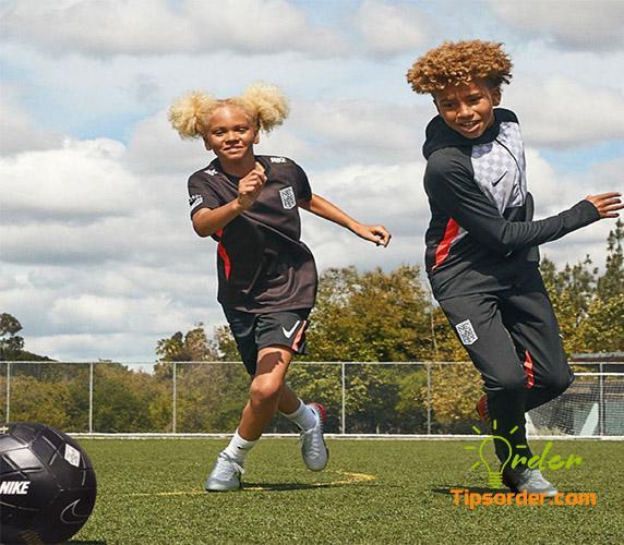 Hãng giày Nike Kids nổi tiếng thể giới
