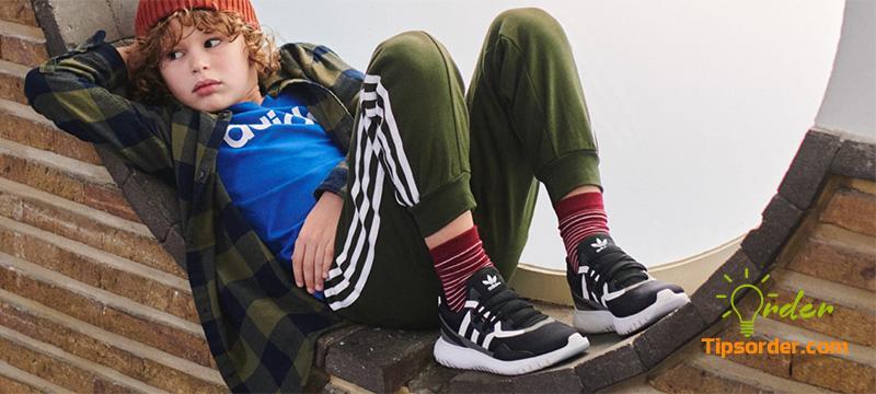Hãng Adidas Kids cũng nổi tiếng không kém