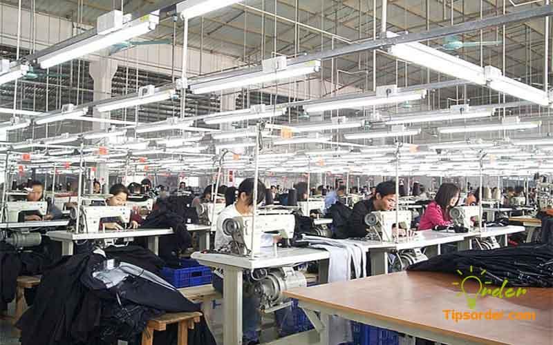 Xưởng quần jean tại Quảng Đông Trung Quốc.