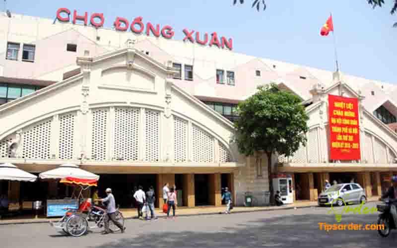 Chợ đầu mối Đồng Xuân - Hà Nội.